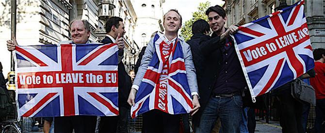 """La Ue in ginocchio da Londra: """"Inglesi ripensateci, non uscite dall'Europa"""""""