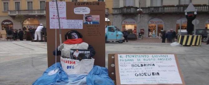 I Giovani Padani bruciano il fantoccio della Boldrini. Salvini: un'idiozia
