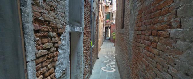Tredicenne aggredita in pieno giorno, a Venezia: è caccia a 4 nordafricani