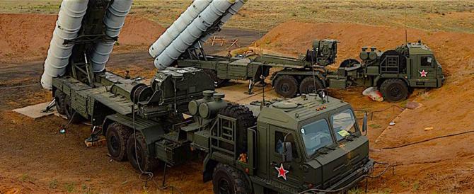 """Putin rivela: """"Sappiamo benissimo chi ha attaccato coi droni le nostre basi"""""""