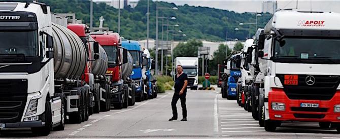 AAA camionisti cercansi in Gran Bretagna: ci sono 45mila richieste