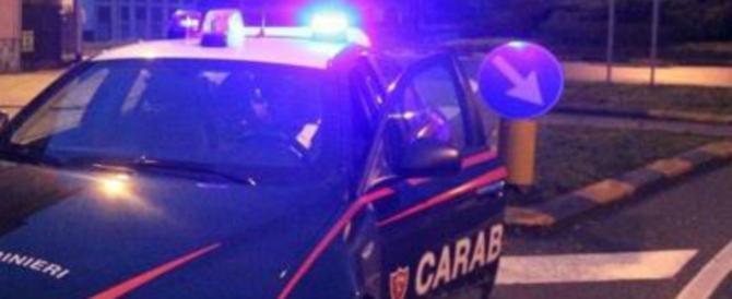 Serata di terrore in famiglia: albanese minaccia di morte la moglie e il figlio
