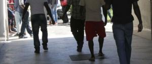 Violenze al centro di accoglienza: lite fra immigrati finisce a coltellate
