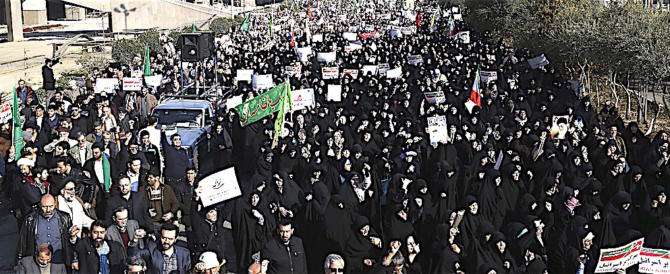 Iran, sale a 25 il numero dei morti nei disordini, centinaia gli arresti