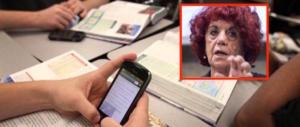 Fedeli insiste: «Cellulari liberi in classe». Ma in Francia scatta il divieto assoluto