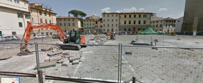 Firenze, si stacca intonaco da un palazzo. Transennata la zona