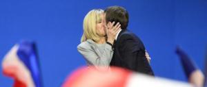 La regina dei paparazzi, amica intima di Brigitte, mette nei guai Macron