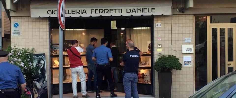«Fu legittima difesa», la procura chiede l'archiviazione per il gioielliere di Pisa