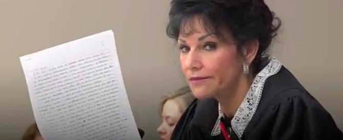 """Molestò le ginnaste Usa. La giudice: """"Felice di condannarla a 175 anni"""" (video)"""