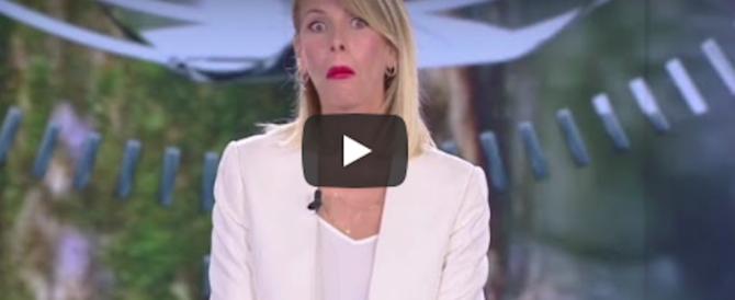 """""""Monte ha fumato droga"""". Eva Henger accusa, bufera sull'Isola dei famosi (video)"""