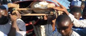 Nigeria, strage in moschea: 10 vittime. Muore anche il padre del kamikaze