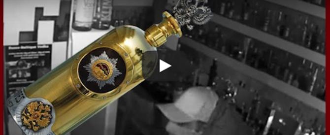 Vale 1,3 milioni di dollari: rubata la bottiglia di vodka più cara del mondo (video)