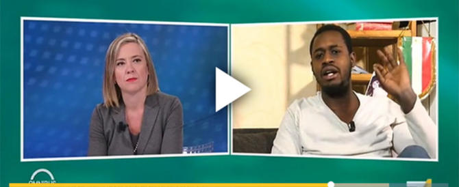 """Giornalista del Manifesto ironizza sul """"nero"""" (di destra) in collegamento (video)"""