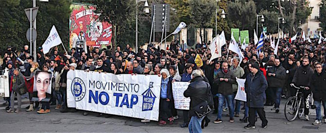 Puglia, violenze dei No Tap: sassi e morsi contro gli operai ai cantieri