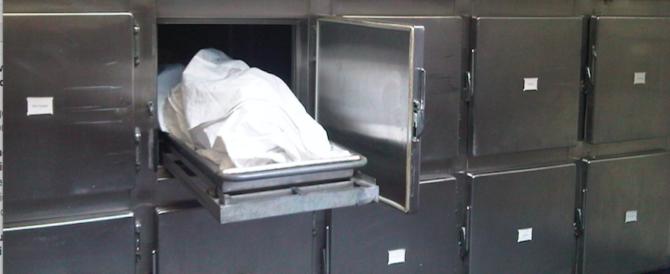 Dichiarato morto, si risveglia nel frigo dell'obitorio: è accaduto in Spagna