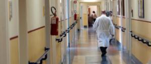Comandano loro: a Parma paziente islamica fa spostare dalla stanza un'italiana