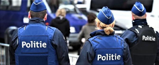 Torna il terrorismo in Belgio: polizia spara a un uomo armato di coltello