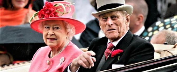 """E il Principe Filippo chiuse l'anno con una delle sue leggendarie """"gaffes"""""""