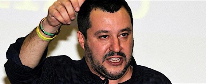 Bologna, centri sociali preparavano l'agguato a Salvini fingendosi cronisti