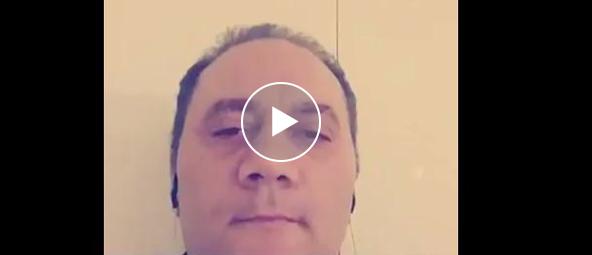 Aspirante candidato M5S, stonato come una campana, fa impazzire il web (video)