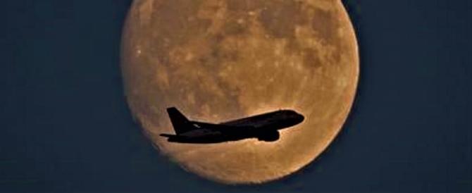Eclissi totale, domani torna in scena Superluna: ma sarà più rossa che blu