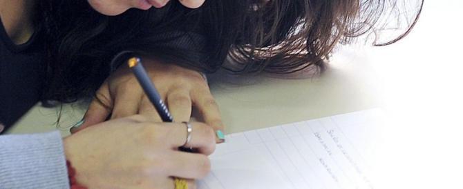 Padre suicida, la scuola aveva dei sospetti: «Quel tema non fu dato a caso»