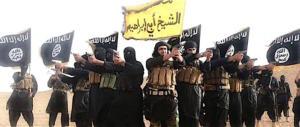 Trieste, minorenne algerino gestiva chat dell'Isis: «Ecco come farsi esplodere»