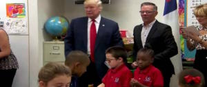 A 7 anni scrive a Trump: «Caro presidente, proteggici dalle sparatorie a scuola»