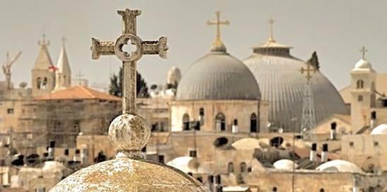 Israele vuole tassare ed espropriare le chiese: il Santo Sepolcro chiuso per protesta