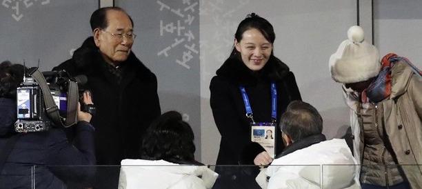 Inaugurati i giochi olimpici, storica sretta di mano tra le due Coree