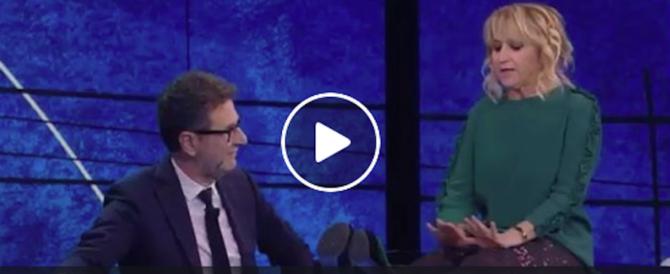 """L'ossessione della Littizzetto per Salvini: """"Caccia prima me del migrante"""" (video)"""