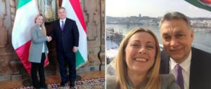 Meloni in Ungheria da Orban: «Tra patrioti ci si intende alla grande» (video)