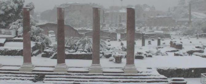 Neve a Roma, cronaca di un disastro: niente bus, città paralizzata (video)