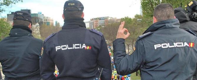 Partorisce a 11 anni, a metterla incinta il fratello 14enne: dramma in Spagna