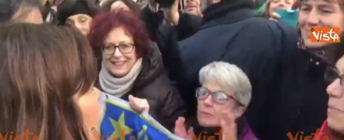 Boldrini a Milano al corteo antifascista: ce la faremo, no pasaran… (video)