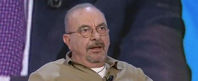 """Sallusti e La Russa """"triturano"""" Vauro sul fascismo: «Dimentichi comunismo e Br» (video)"""