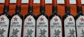 Amaro partigiano contro vino di Predappio, un derby a suon di bottiglie