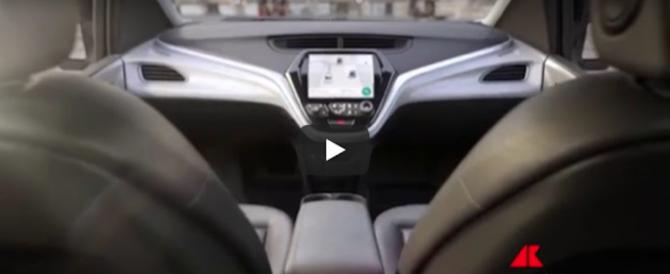In California è già futuro: autorizzata la circolazione delle auto senza guidatore (video)