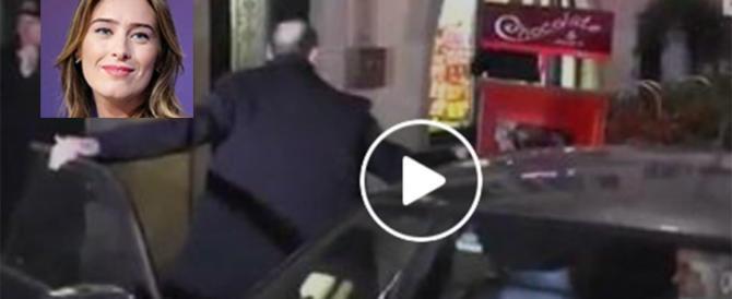 """Bufera sulla Boschi: """"Fa campagna elettorale con l'auto blu"""" (video)"""