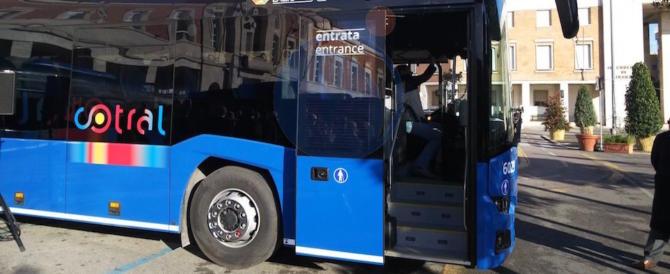 Roma, aghi di siringhe nei sedili dei bus Cotral. Li conficcava un portantino