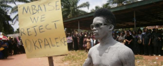 """Bergoglio cede ai razzisti nigeriani: via il vescovo di etnia """"sbagliata"""""""