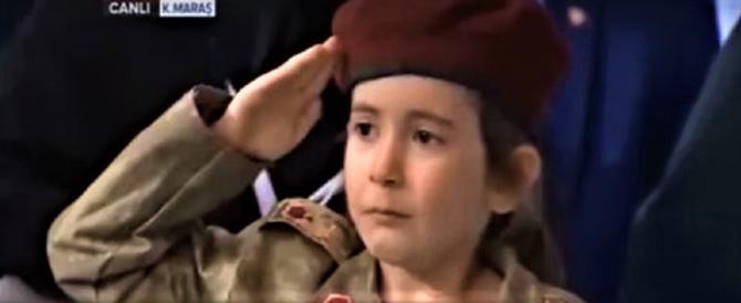 """Erdogan come l'Isis: augura a una bambina di diventare una """"martire"""" (video)"""