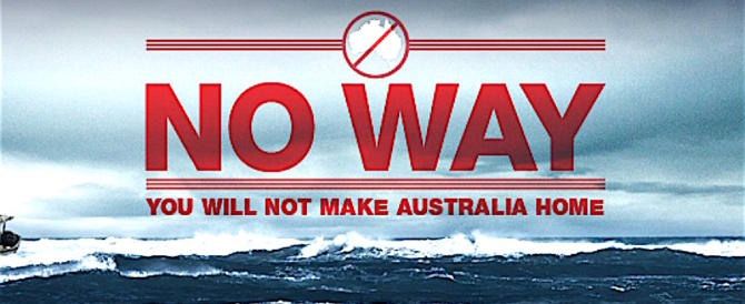 Clandestini, l'Australia fa sul serio: abbandonati su un'isola deserta