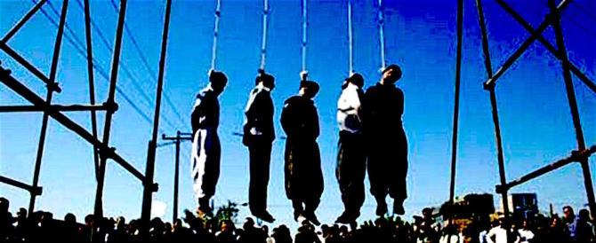 Iran, impiccato un ragazzo: aveva ucciso un uomo all'età di 15 anni