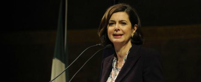 """Laura Boldrini allunga la lista dei """"nemici dei migranti"""": tutti colpevoli"""