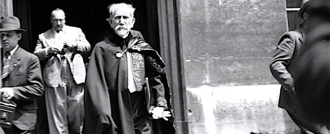 """Francia: non solo Brasillach, """"damnatio memoriae"""" anche per Maurras"""
