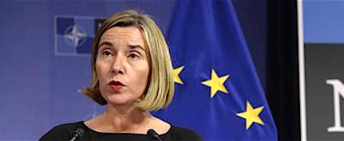 La Mogherini sgrida la Turchia, ma non condanna l'aggressione a uno Stato sovrano