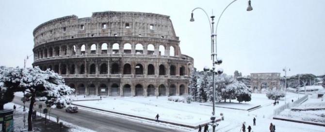 Neve a Roma, il Codacons denuncia: «Gli errori di Raggi costati 500 milioni»