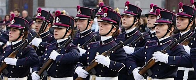 Accademie militari, se l'uniforme piace sempre di più alle ragazze