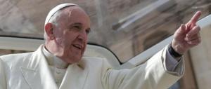 Papa Francesco: «L'equazione tra terrorismo e Islam è una menzogna»